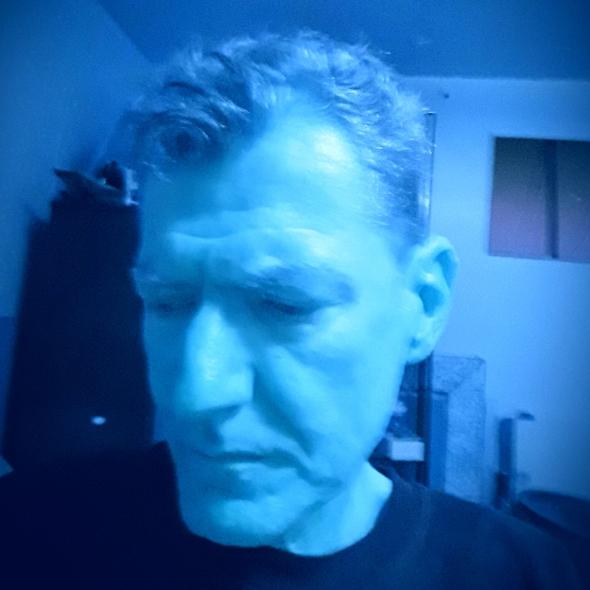 Selfie blue