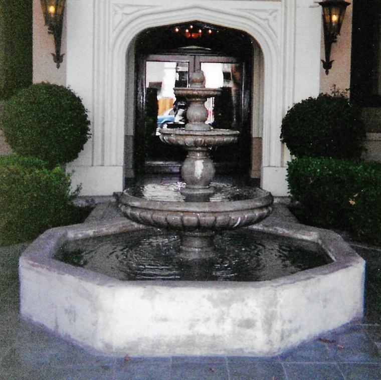 Hollywood fountain crop
