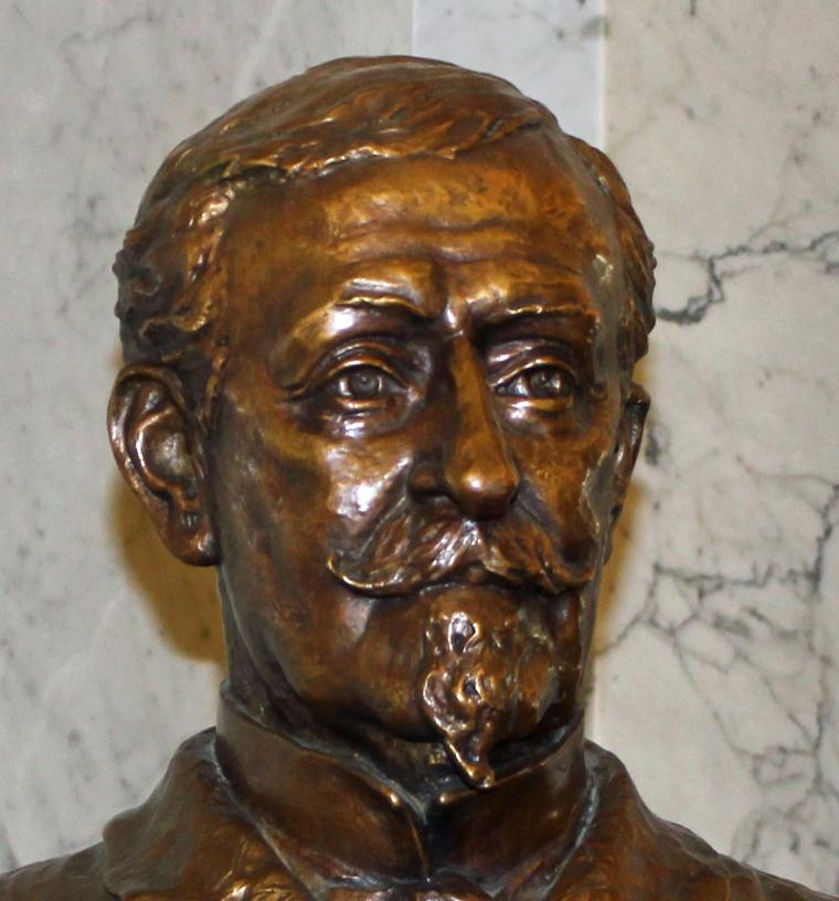 Statue 2 Schley