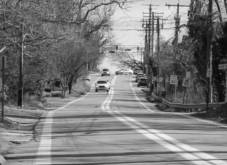 Road 3 zoom bw