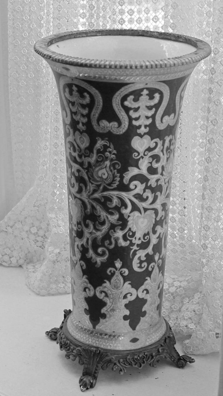 Vase 1 bw